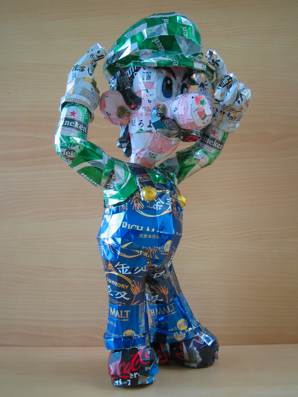 Makaon-Geeky-Can-Sculptures-Luigi